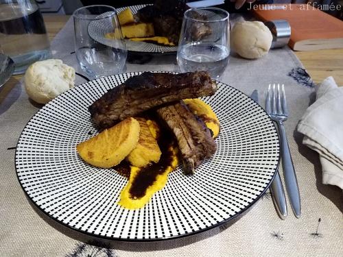 Travers de porc, polenta et purée de carotte