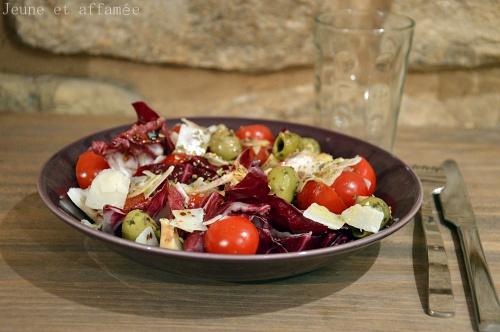 Salade fraîcheur chicorée, tomates, parmesan