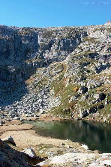 Un peu plus haut, l'étang de l'Escale