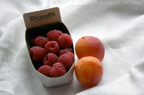 Framboises et abricots