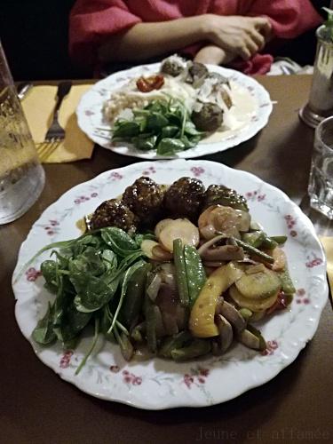 Boulettes et leur poêlée de légumes