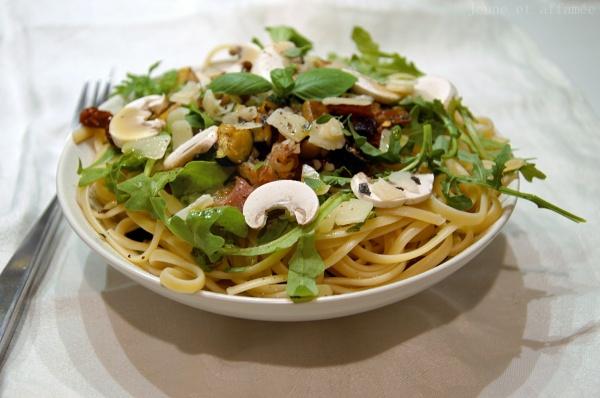 Linguine roquette, légumes, parmesan