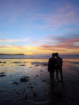 Couple au coucher de soleil