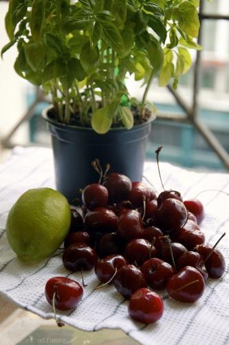 Cerises, citron vert et basilic