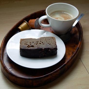 Cake café/whisky aux épices, galaçage chocolat