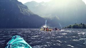 Milford sounds, kayak, Nouvelle-Zélande