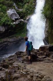 Petite cascade à Abel Tasman