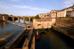 Albi, pont enjambant le Tarn