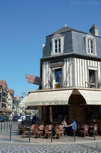 Façades cossues de Deauville, maison à colombage