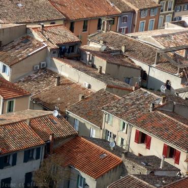 Vue sur les toits de Carcassonne depuis les remparts