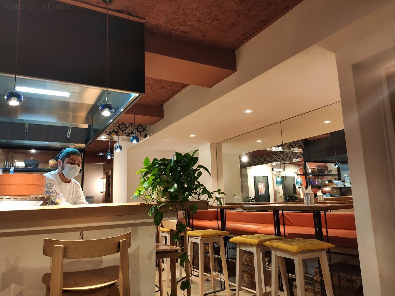 ACA Pigalle et sa cuisine ouverte