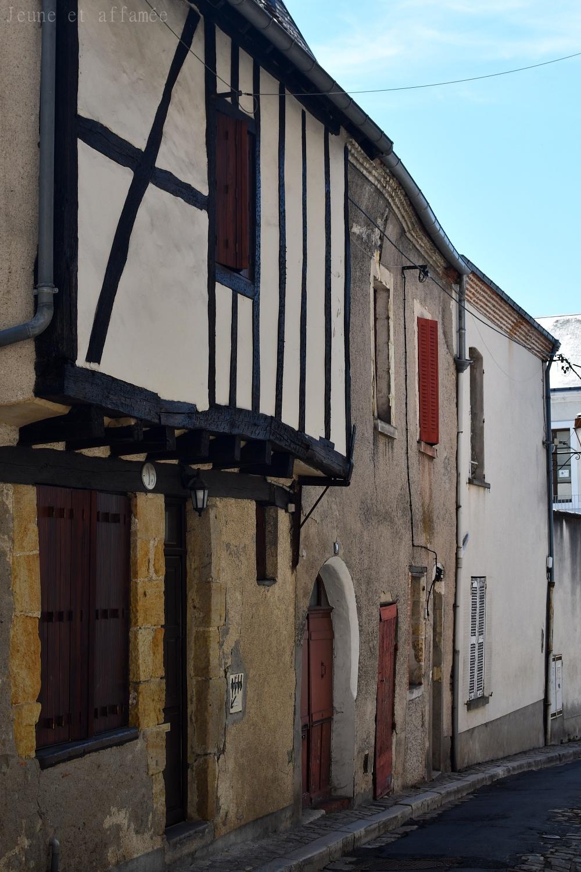 Maisons anciennes près de l'église de Vierzon